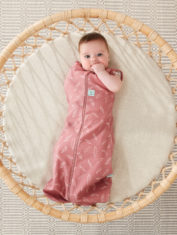 0.2T and 1.0T_QUILL_Cocoon Swaddle Bag_Lifestyle_2