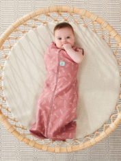 Swaddle_Quill_1ArmOut