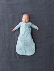 Swaddle_Pebble_Arms-Out